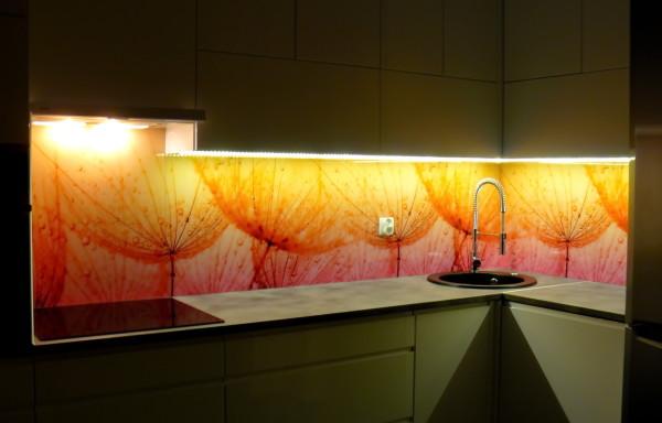 szkło z grafiką – podświetlenie LED